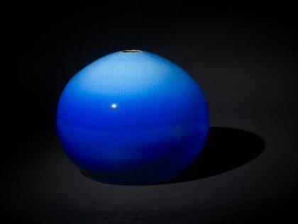 pic blue vase